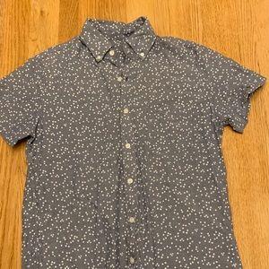Short sleeved grey chambray shirt